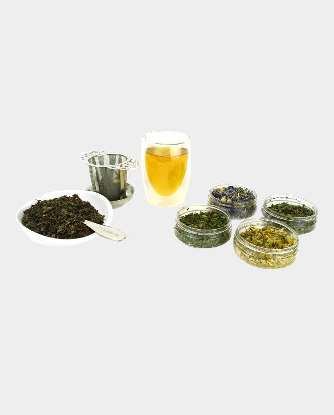 Kopje thee met groene theekruiden